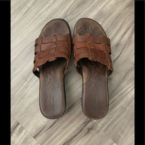 Born dark brown sandals slides size 8
